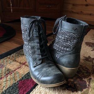 Roxy Fashion Boots